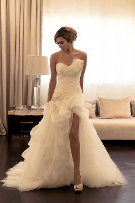 Ivory Organza Ruffle Wedding Dresses